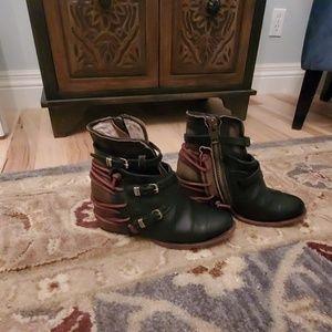 Freebird Size 8 Crue boots
